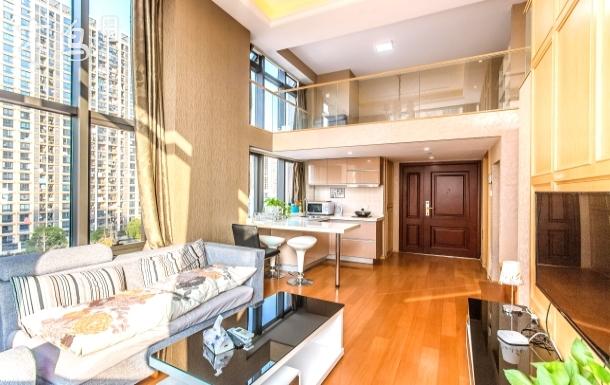 杭州地铁旁城西银泰旁loft豪华三居室