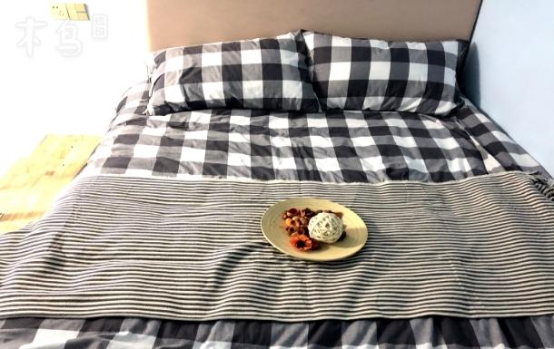 半小时直达徐家汇!颛桥地铁口精装一居室!独立卫浴可以做饭,拎包入住