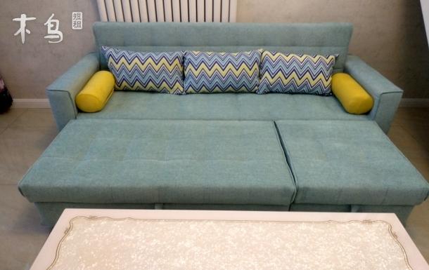 西客站直达跃层小资双人床加双人沙发床商务房