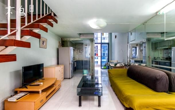 广州中大轻纺城温馨复式套房,享独立私人空间
