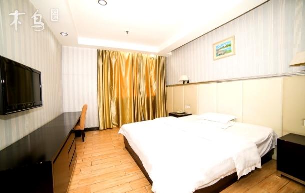 广州新白云国际机场舒适豪华大床房,近地铁三号线人和站