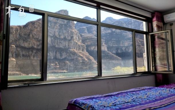观景四人间十渡景区落地窗观山景
