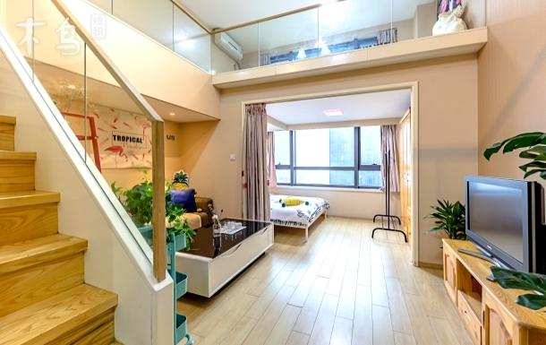 近西湖湿地银泰旁复式3床可住6人大套房