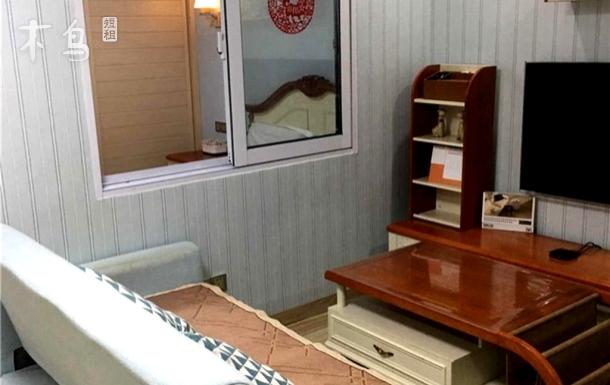 市区三亚湾海边浪漫温馨度假大床房