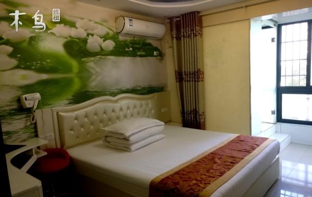 绿雅主题大床房