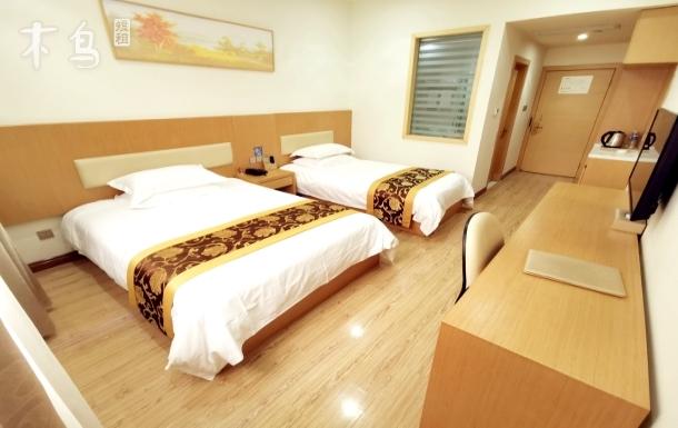 豪华家庭房,可睡三人,独享60亩私家园林,24小时免费接送浦东机场及迪士尼