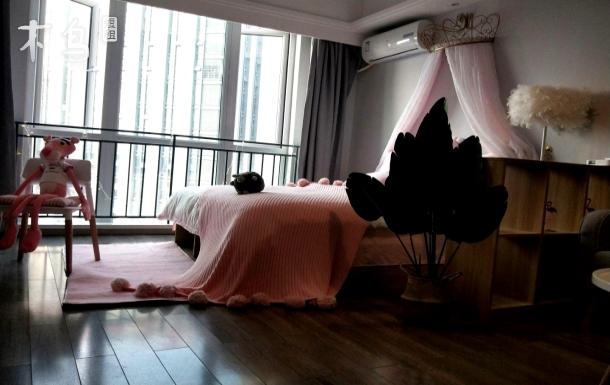 娜小姐的高清投影仪公主纱房,紧邻动物园春熙路太古里宽窄巷子熊猫基地