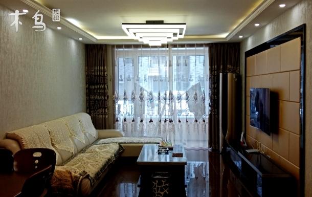 普宁路,紧邻普宁寺,交通方便,三室一厅。