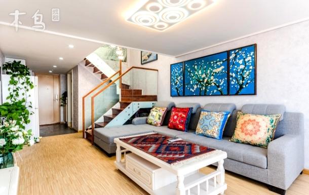 地铁口美式loft公寓直达西山南屏街翠湖