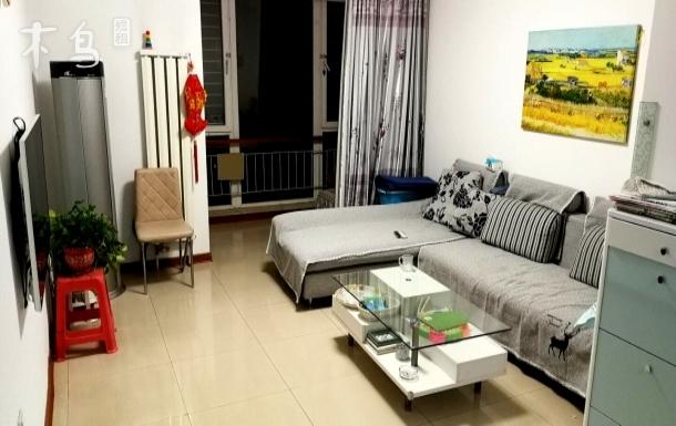 第二儿童医院/瑞景新苑地铁站旁舒适双人房间