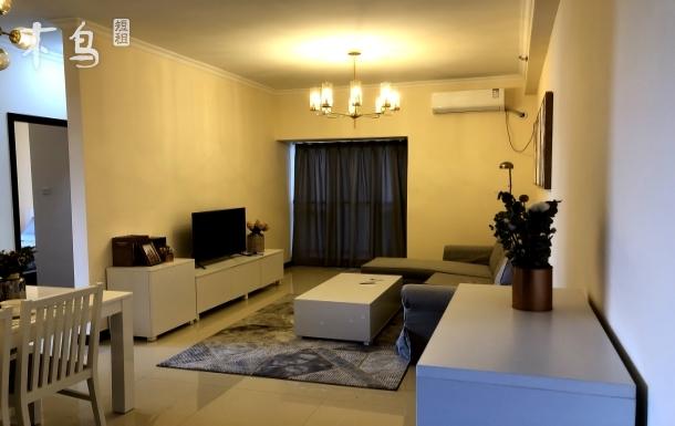 两居一厅,双地铁,环境优美,价钱合适