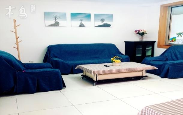 房源位于延庆区中心繁华地段,三室一厅。驾车至世园会只需十五分钟。