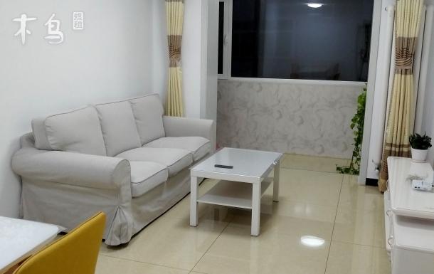 一居室,交通便利,精装修,家具齐备