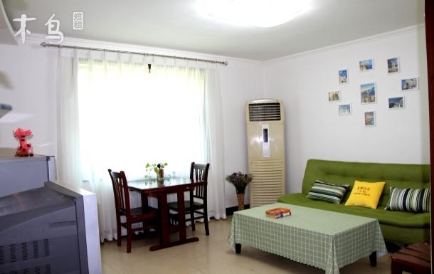 国际海水浴场精装修二室一厅1号房
