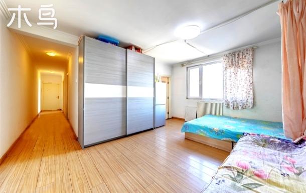东二环潘家园地铁附近10人三居室