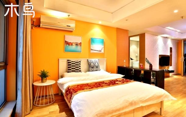 橙光大床房