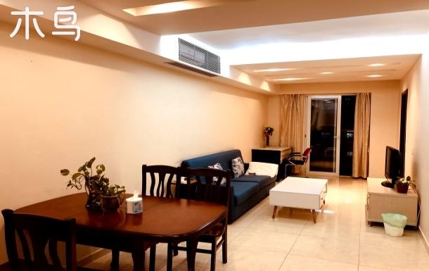 世界之窗对面两卧室公寓、1.8米大床