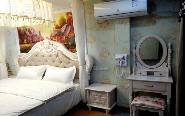 武汉中南商圈豪华欧式大床房