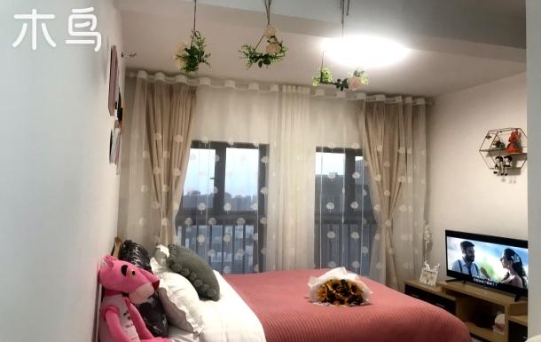 呈贡区近高铁站、地铁站、欧式田园小清新温馨舒适双大床适合家庭出游或朋友结
