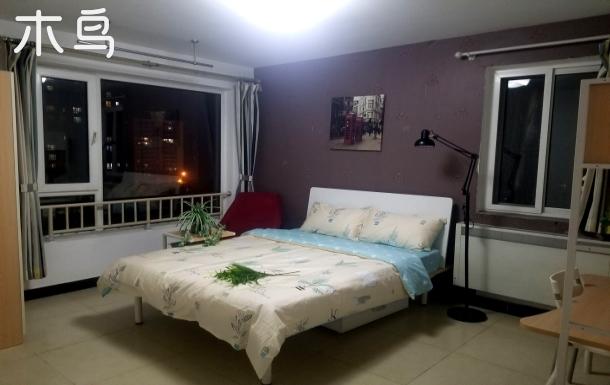 欢乐谷景区落地窗公寓,现代简约风,近地铁