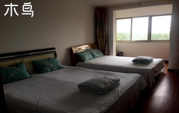 海水浴场温馨舒适、三室一厅客容纳11人