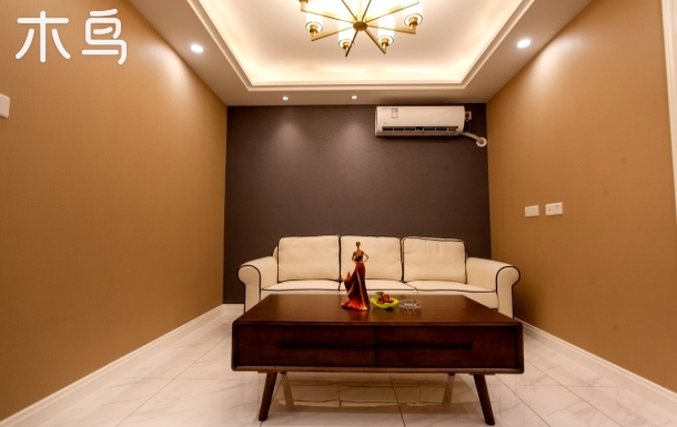 上海长海医院旁 精装修两居室