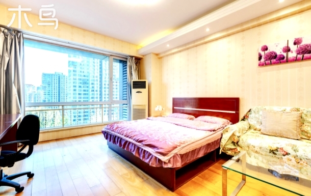 市中心国贸双井高端公寓大床房