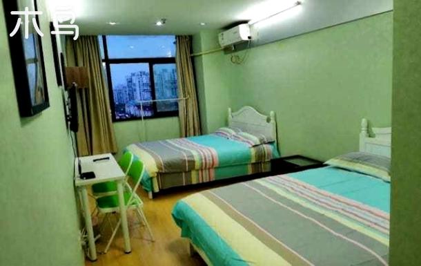 雅赞公寓-温馨双床房,近新华医院,同济大学,8号线地铁站(71号)