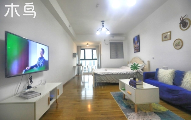 君立国际公寓经济大床房南方医院/同和地铁D出口