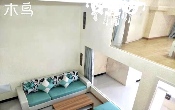 绿都港汇中心地铁2号线振宁路站机场高速口精装loft  3居室家电齐全