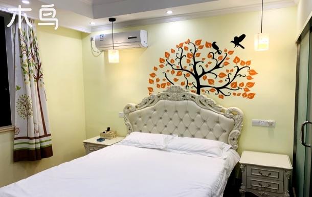 上海华芙旧时光民宿花千树欧式大床房